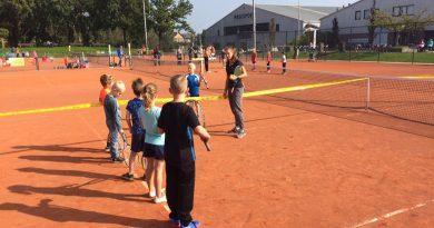 Open tennistraining voor kinderen